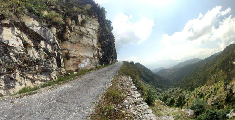 Strasse im Himalaya