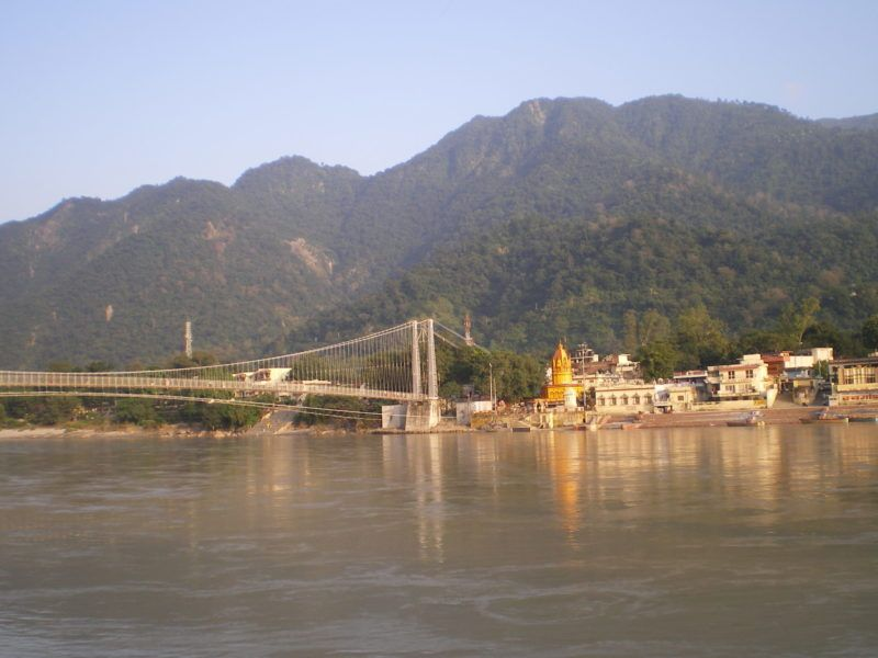 Hängebrücke über der Ganga