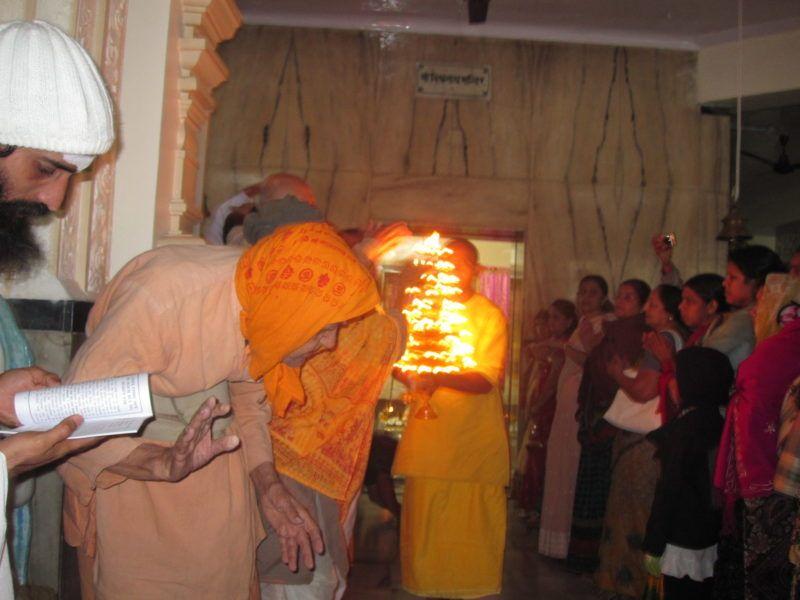 https://vedanta-yoga.de/indien/puja-im-sivananda-ashram/ Indien - Bharata Varsha - unglaubliches Land der Vielfalt