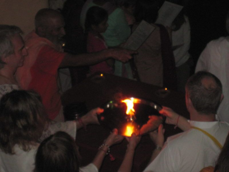 Ma Ganga Arati Swami Hamsananda