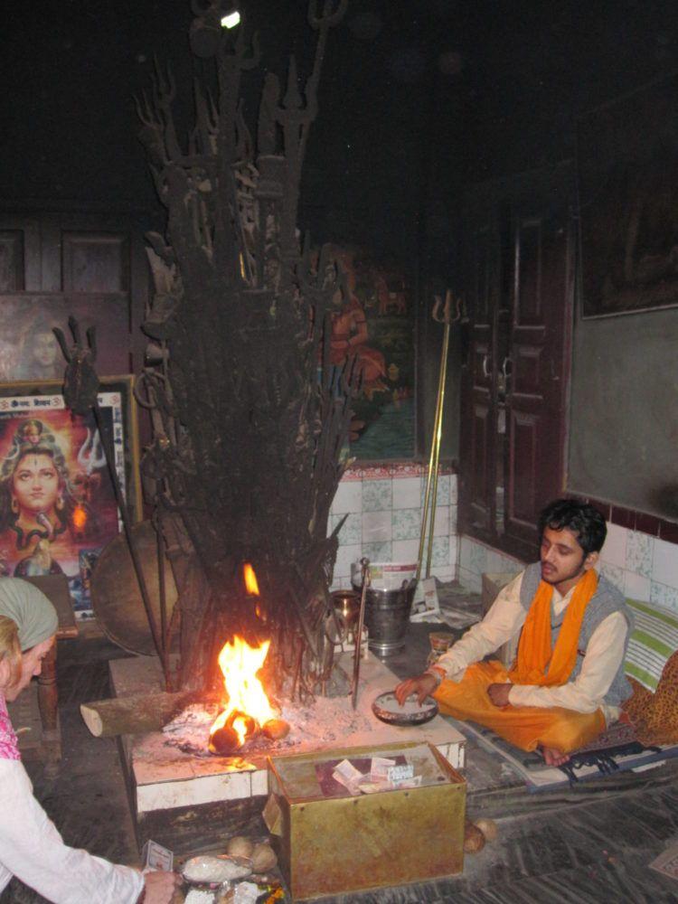Neelkanth Agnijayna mit Trishul