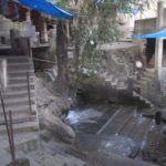 Badestelle unter dem Tempel