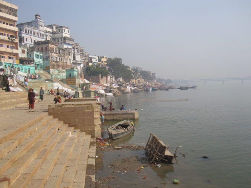 https://vedanta-yoga.de/yoga-texte/manisha-panchakam-text-von-shankara-ueber-bewusstsein-und-kasten/ Yoga Texte - Schriften und Quelltexte indischer Spiritualität und des Hinduismus