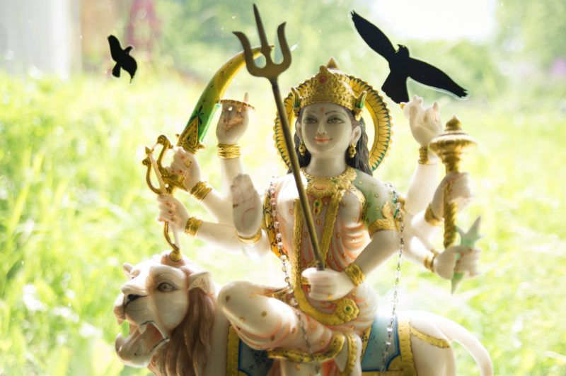 https://vedanta-yoga.de/indische-goetter/goetliche-mutter-goettin-kali-durga-shakti-devi/ Indische Götter - die wichtigsten Götter im Hinduismus