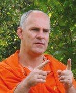 https://vedanta-yoga.de/interviews/swami-atma/ Interviews mit bemerkenswerten Menschen