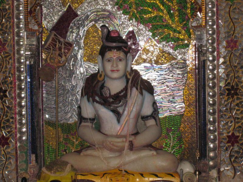 Filigrane Arbeit im Saptarishi Tempel