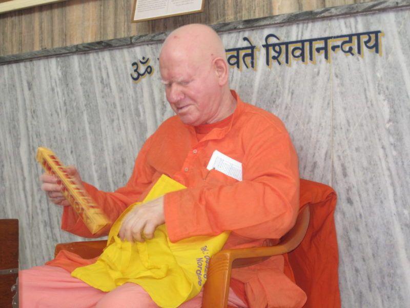 Swami Vimalananda mit meiner Schoki!