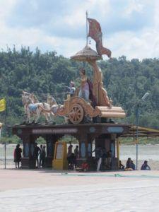 Arjuna und Krishna auf der Kutsche