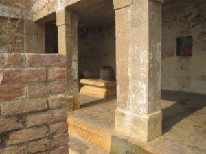großer Lingam in Varanasi