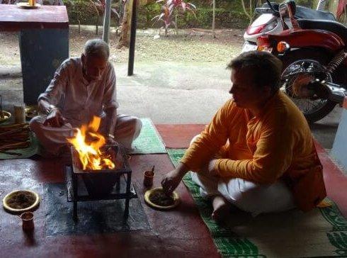 zum Hindu werden